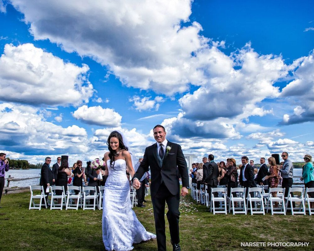 Outdoor wedding venues Ontario - beachfront wedding at the Peaks